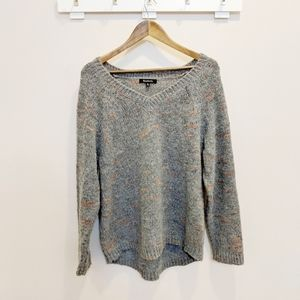 ❄️Relativity Gray Knitted VNeck Sweater Size XL